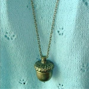 Jewelry - 5/$25 🌻 Bronze Gold Acorn Sweater Necklace